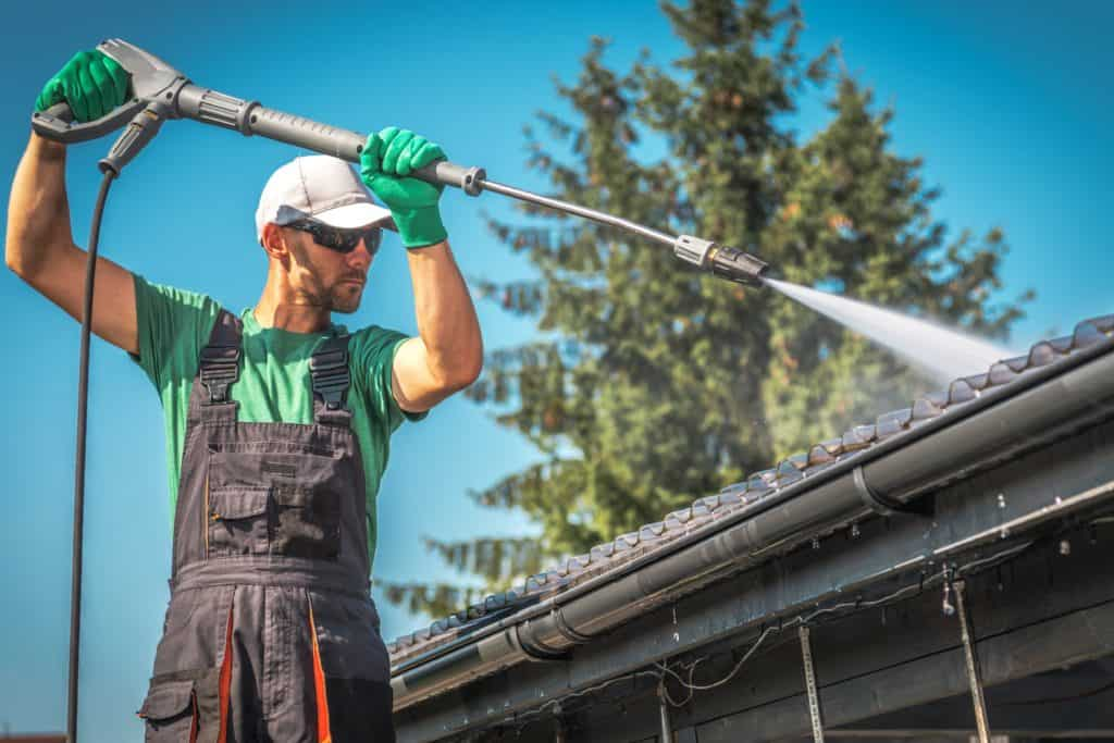 4 Important Ways to Prepare Your Roof For Spring 2